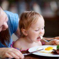 اما و اگرهای مصرف تخممرغ در کودکان