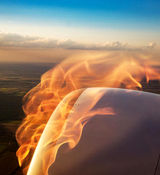 آتش گرفتن موتور هواپیمای تهران - کیش/ مسافران خوشحالی کردند + فیلم