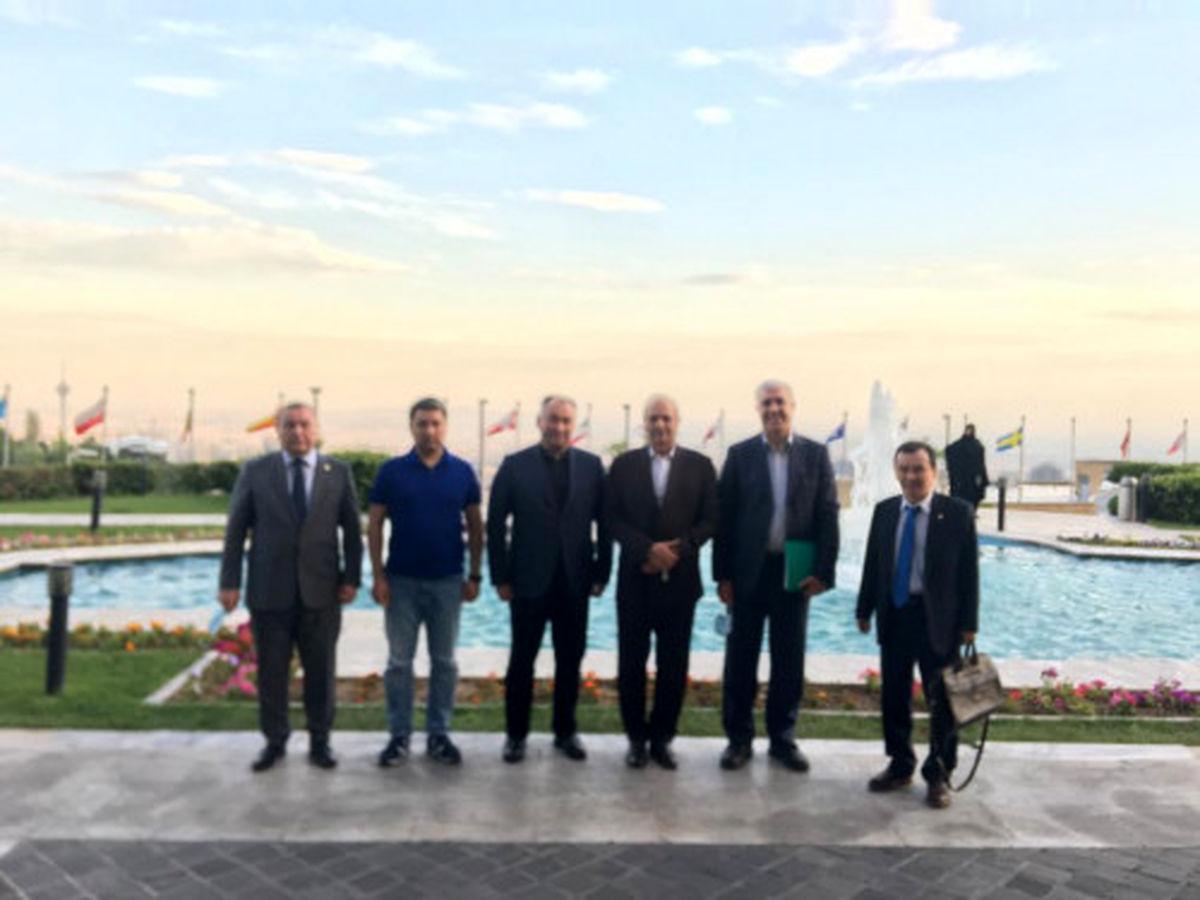 وزیر انرژی و صنعت قرقیزستان با مسئولین شرکت آب و نیرو دیدار کرد