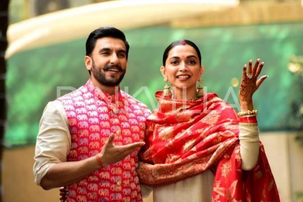 PHOTOS: Newly weds Ranveer Singh and Deepika Padukone reach at Singh's house for Griha Pravesh | Deepika padukone, Ranveer singh, Newlyweds