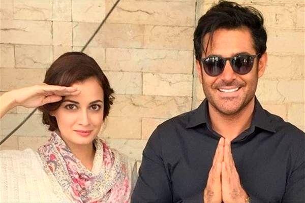 جام نیوز :: JamNews - محمدرضا گلزار در کنار هنرپیشه زن هندی +عکس