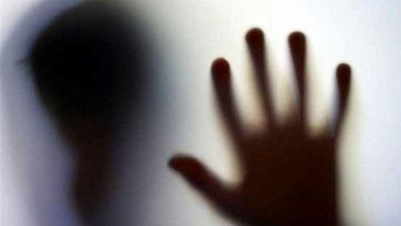محاکمه مرد ۵۵ ساله به خاطر تجاوز به دختر همسرش