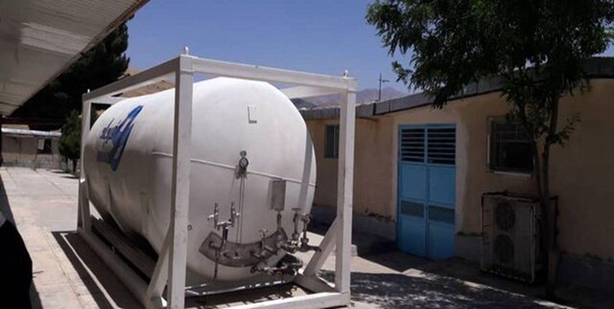 نصب مخزن اکسیژن جدید برای بیماران کرونایی با همت صنایع فولاد هرمزگان