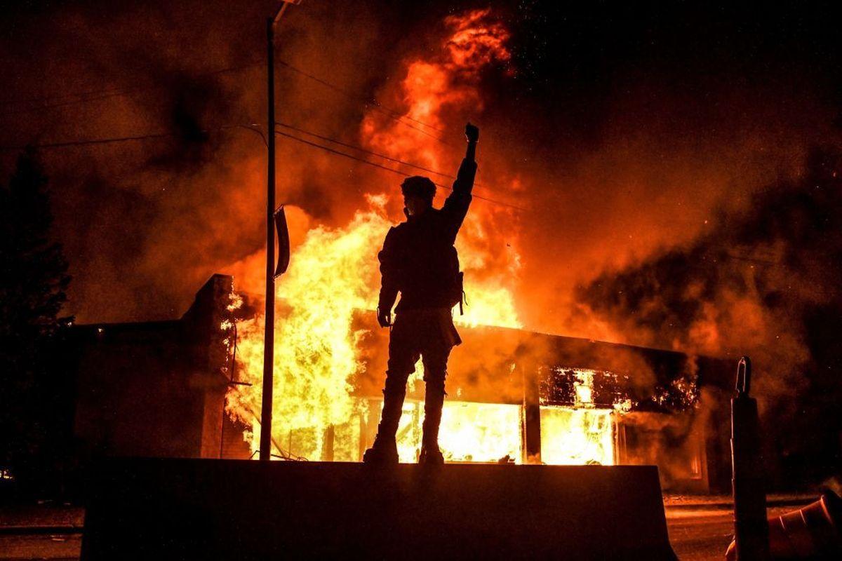۲۰۲۰؛ سال فریادهای اعتراضی در اروپا و آمریکا+عکس