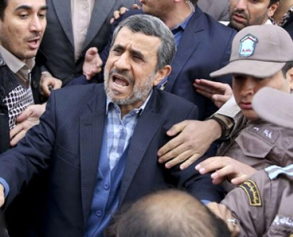 منزل محمود احمدینژاد محاصره شده است + فیلم