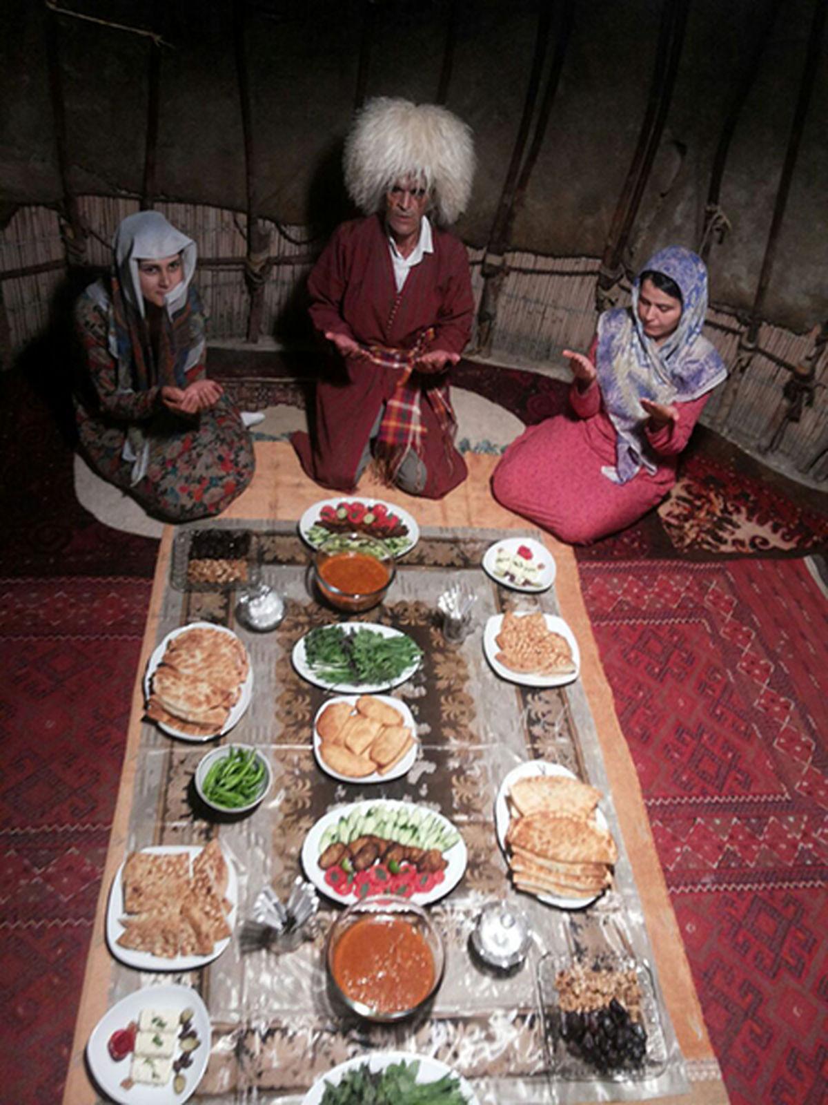 آیینورسوم ترکمنها در ماه رمضان + عکس