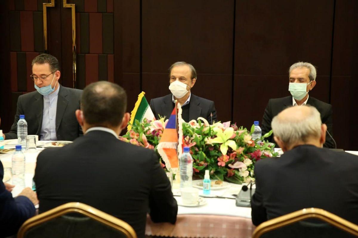 آمادگی بخش های مختلف صنعت و خدمات ایران برای توسعه همکاری ها با ارمنستان