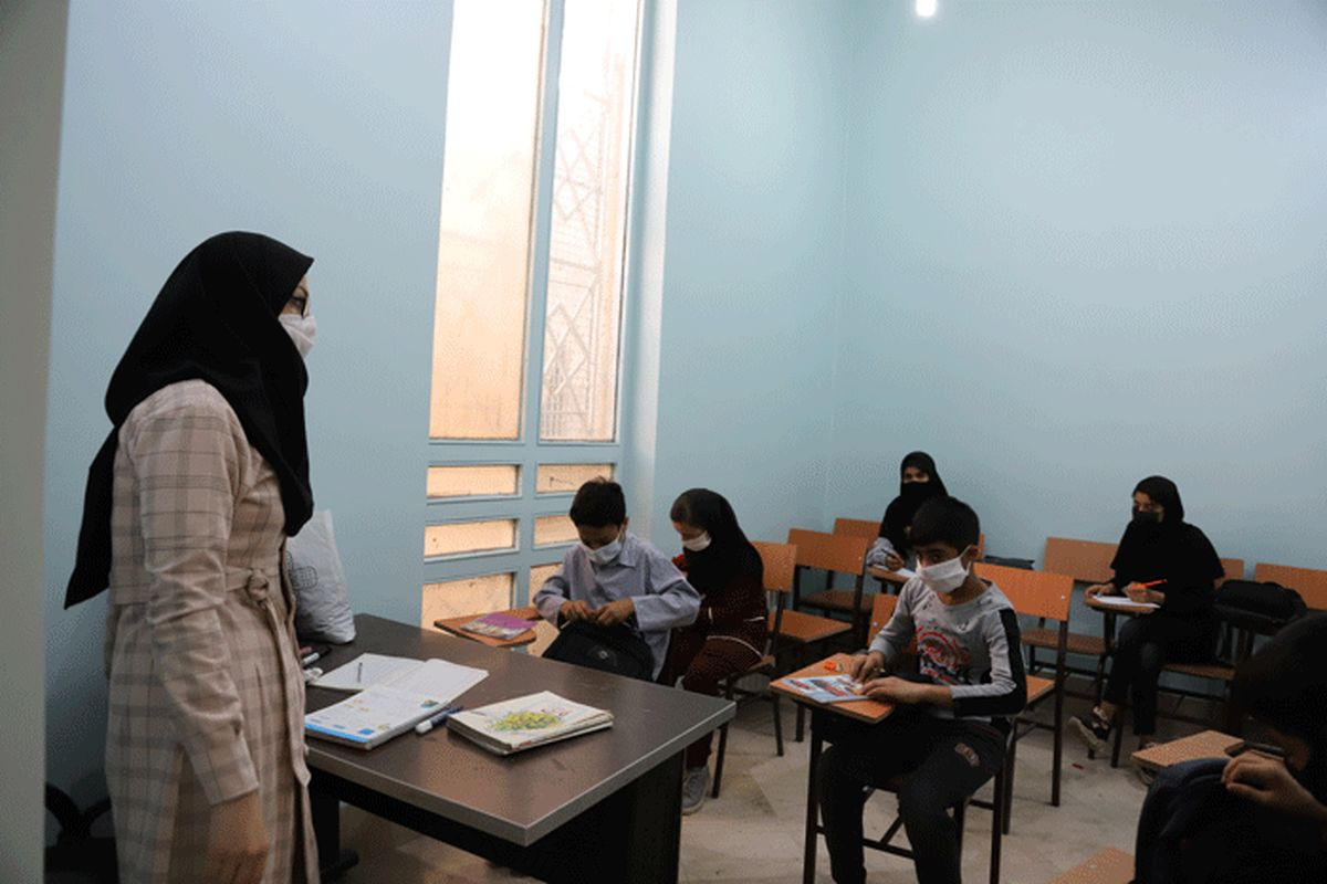 زمان واکسیناسیون معلمان و دانشآموزان اعلام شد