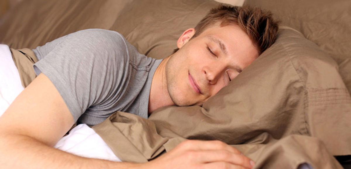 به این 5 دلیل به پهلوی چپ بخوابید