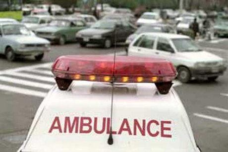 پنچرکردن آمبولانس با قمه جان یک بیمار قلبی را گرفت