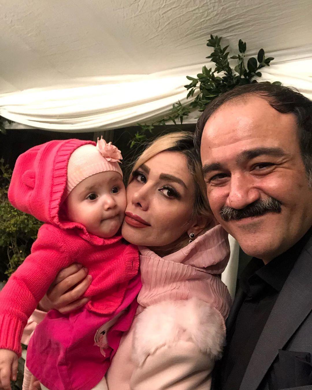 مهران غفوریان در کنار همسر و دخترش | آفتاب