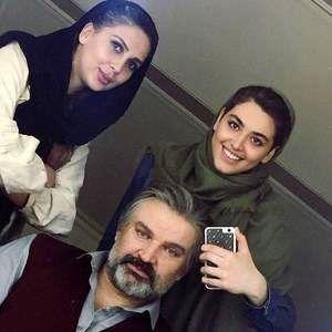 ریحانه پارسا و مهدی سلطانی در پشت صحنه سریال «پدر»