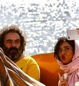 سلفی جنجالی و لورفته پریناز ایزدیار در آغوش بازیگر مرد+بیوگرافی و تصاویر